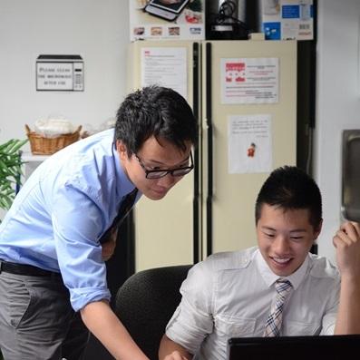 Volunteer in office
