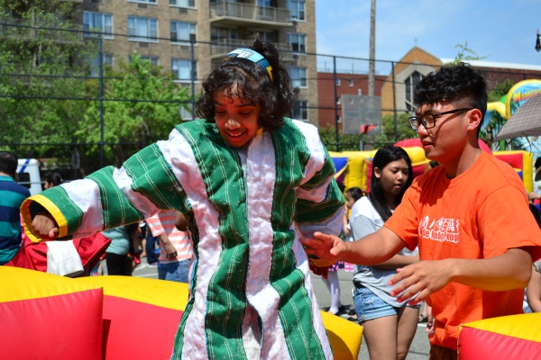 100 Youth Volunteered at the Carnival For All Children