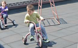 Tricycle racing