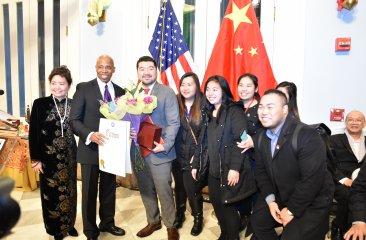 Steve Mei receiving award